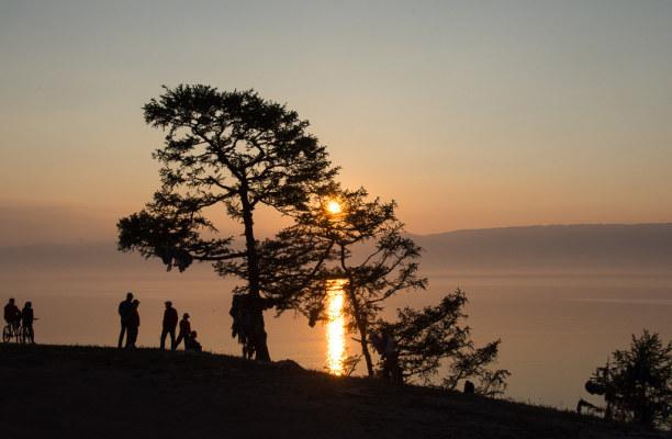 Langzeiturlaub Sibirien, Russische Föderation, Der Baikalsee ist der größte Süßwassersee der Welt. Es fühlt sich