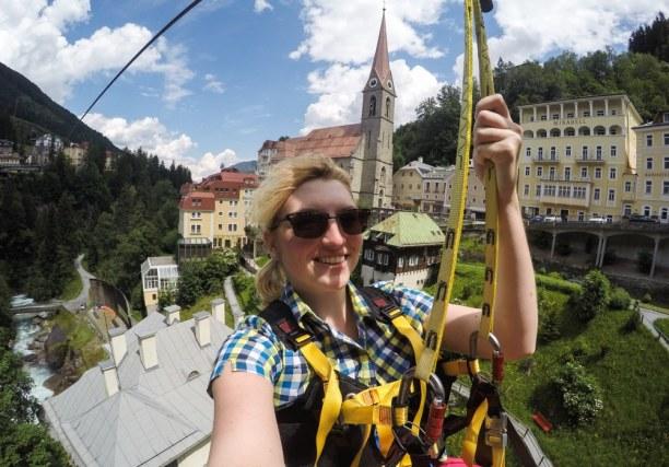 Kurztrip Bad Gastein (Stadt), Salzburger Land, Österreich, Flying Fox aka Flying Waters ist eine Zip Line, die quer durch die Sta