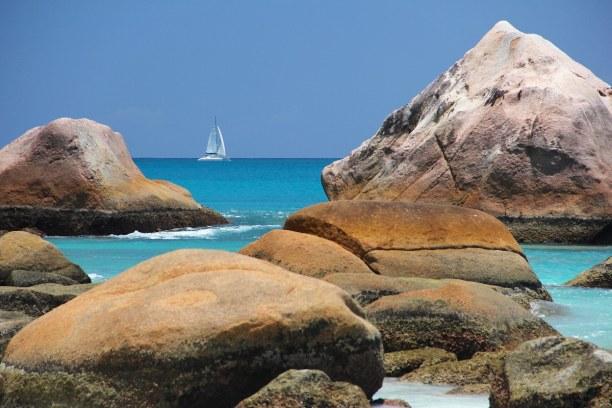 10 Tage Seychellen, Seychellen, Der Anse Lazio Strand auf der Insel Praslin zählt zu den schönsten S