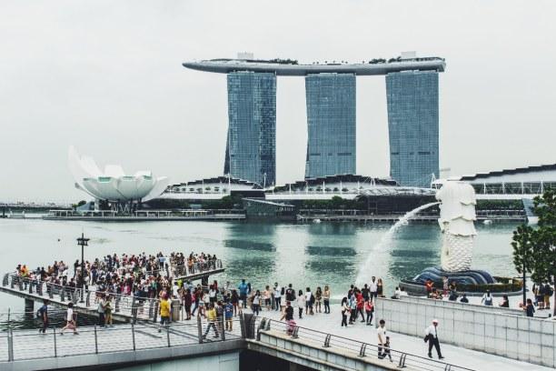 Kurztrip Singapur, Singapur, Die Marina Bay Sands sind ein Resort. Dort gibt es Hotelzimmer, Casino
