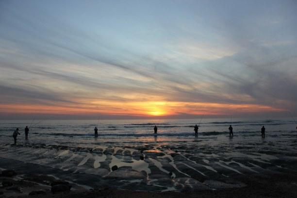 2 Wochen Andalusien, Spanien, Holzstege führen auf den Playa Cortadura, welcher sehr schöne Dünen