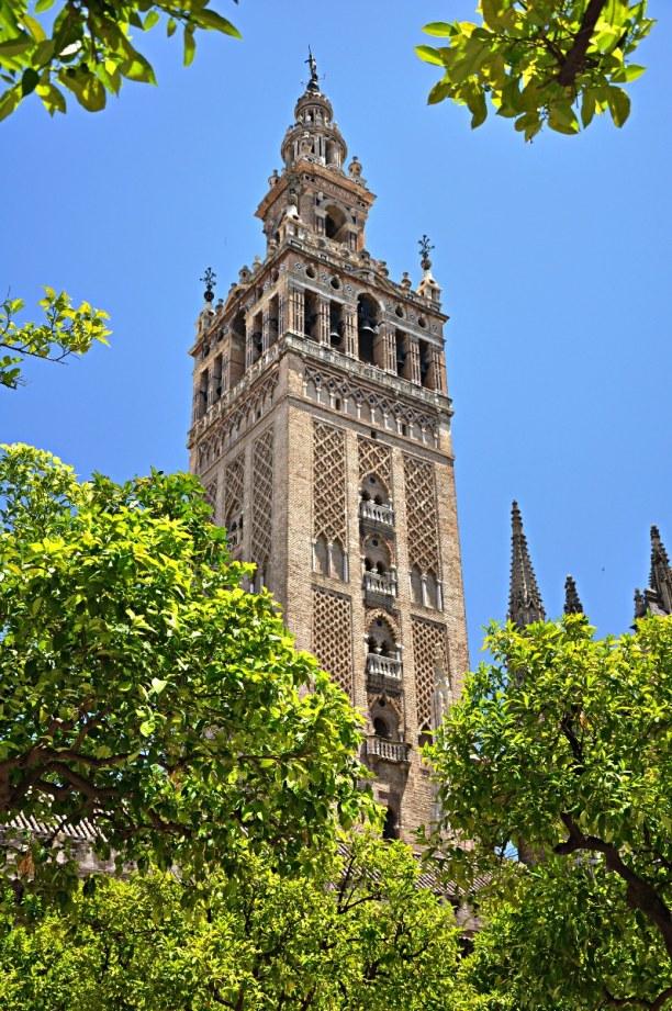 Kurzurlaub Andalusien, Spanien, Der Giralda ist ein ehemaliges Minarett, heute ist ein Uhrturm und ein