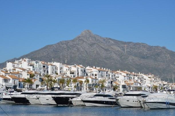 Kurztrip Costa del Sol, Spanien, Der Puerto Banus ist ein großer Jachthafen in Marbella. Hier kannst d