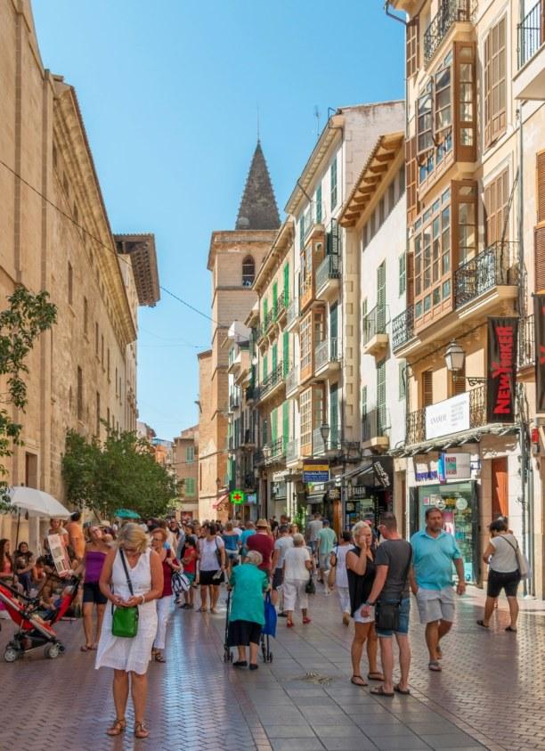 Eine Woche Mallorca, Spanien, Palma ist die Hauptstadt der Baleareninsel Mallorca. Sie ist außerdem