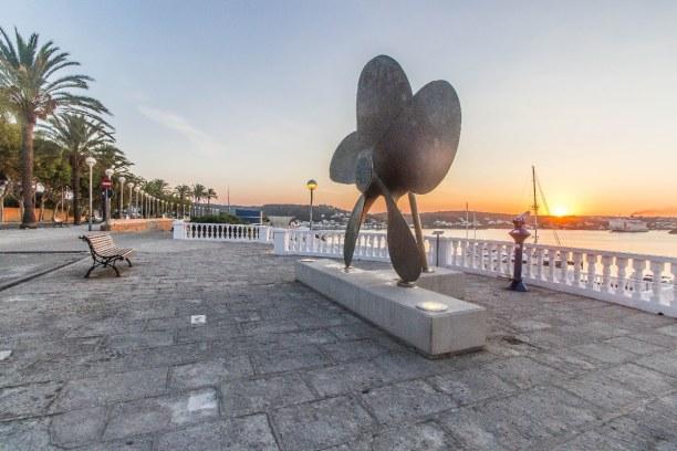 1 Woche Menorca, Spanien, Der Hafen von Mahón ist der größte Naturhafen Europas mit einer 5 k