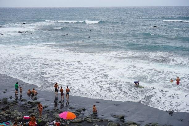 1 Woche Teneriffa, Spanien, Der Playa de los Roques ebenfalls einen schwarzen Vulkansand. Hier gib