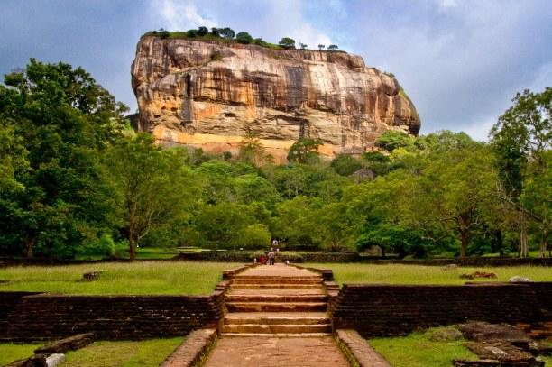 2 Wochen Sri Lanka, Sri Lanka, Sigiriya ist ein  Monolith auf welchem die Reste einer Felsenfestung s