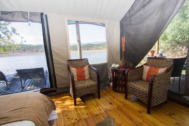 """Kurzurlaub Landesinnere, Südafrika, So sah unser """"Wohnzimmer"""" aus. Durch die Fliegengitter war man aber vo"""