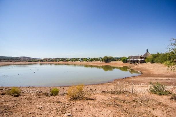 Kurzurlaub Landesinnere, Südafrika, Normalerweise ist das Wasserloch der Buffelsdrift Game Lodge viel grö