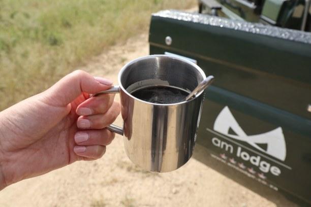 Kurzurlaub Nationalpark, Südafrika, Kaffeestopp im afrikanischen Busch. Auch wenn uns gesagt wird, dass wi