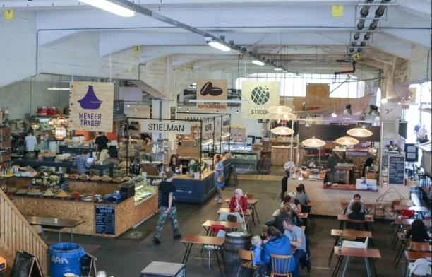 Kurzurlaub Rotterdam (Stadt), Südholland, Niederlande, Ein Blick auf das Innere der Fenix Food Factory. Wir können euch beso