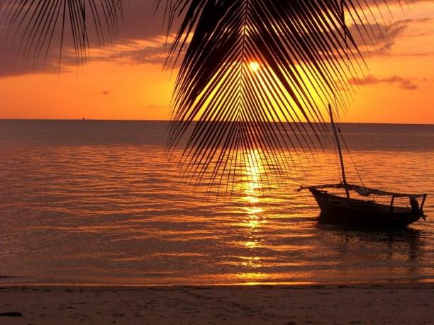 """Zwei Wochen Sansibar (Zanzibar), Tansania, Freddie Mercury, ein Mitglied der britischen Band """"Queen"""" ist in Sansi"""