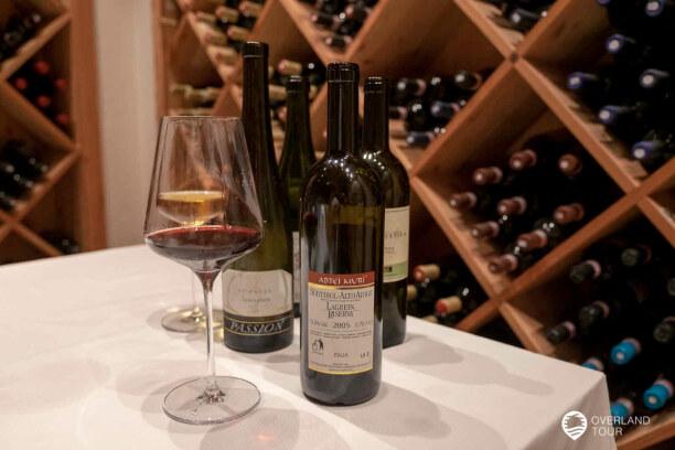 Kurzurlaub Meran (Stadt), Trentino-Südtirol, Italien, Eine Weinprobe solltestes du dir nicht entgehen lassen. Hier gibt es w