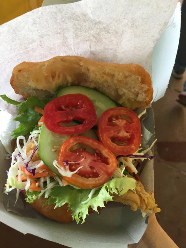 3 Wochen Tobago, Trinidad und Tobago, Bake and Shark- muss man gegessen haben- ein Traum!
