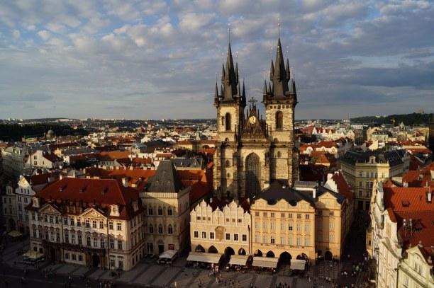 Kurztrip Prag und Umgebung, Tschechische Republik, Die Teynkirche am Altstädter Ring zählt zu den schönsten Kirchen Pr