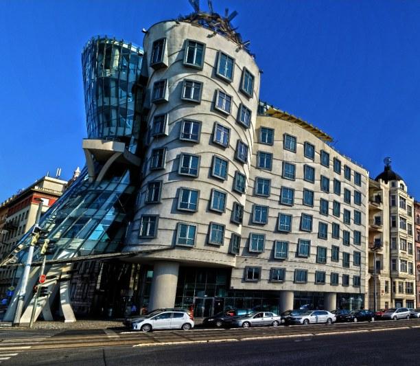 Kurztrip Prag und Umgebung, Tschechische Republik, Das tanzende Haus, Ginger und Fred, Tancici dum- dieses Gebäude mit R
