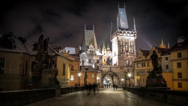 Kurztrip Prag und Umgebung, Tschechische Republik, Das Schlosstor zur Prager Burg.