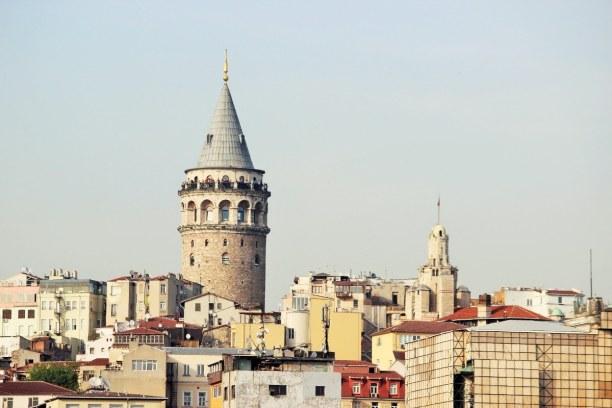 Kurztrip Istanbul (Provinz), Türkei, Der Galataturm in Istanbul diente als Wachturm. Heute gibt es dort ein