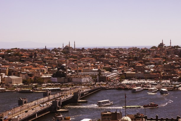Kurzurlaub Türkische Ägäis, Türkei, Istanbul hat eine sehr besondere Lage, da es zwischen zwei Kontinenten
