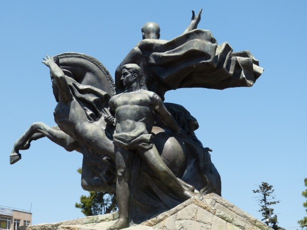 Kurztrip Türkische Ägäis, Türkei, In Antalya steht das Atatürk-Denkmal. Kemal Atatürk war der erste Pr