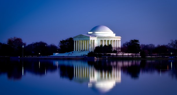 Kurztrip District of Columbia, USA, Im Jefferson Memorial steht eine 6,50 Meter große Bronzestatue von Th