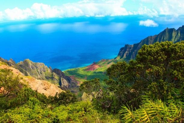 1 Woche Hawaii, USA, Den Na Pali Küstenpark im Norden Kauais kannst du entweder zu Fuß au