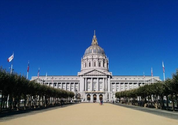 Kurztrip Kalifornien, USA, Die City Hall wurde 1915 eröffnet und war seitdem immer wieder die Ku