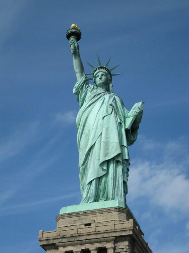 Kurztrip New York, USA, Die Freiheitsstatue ist ein weiteres Wahrzeichen New Yorks.  Die siebe