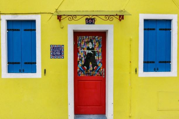 Kurztrip Venedig (Stadt), Venetien, Italien, Die Häuser auf Burano sind nicht nur farbenfroh, sondern auch total l