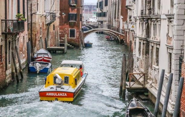 Kurzurlaub Venedig (Stadt), Venetien, Italien, Rettungsdienst der etwas anderen Art in Venedig
