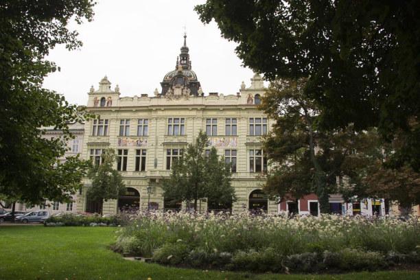 Kurzurlaub Plzen (Stadt), Westböhmen, Tschechische Republik, Mein Stadtspaziergang führt entlang des Mestský Parks.