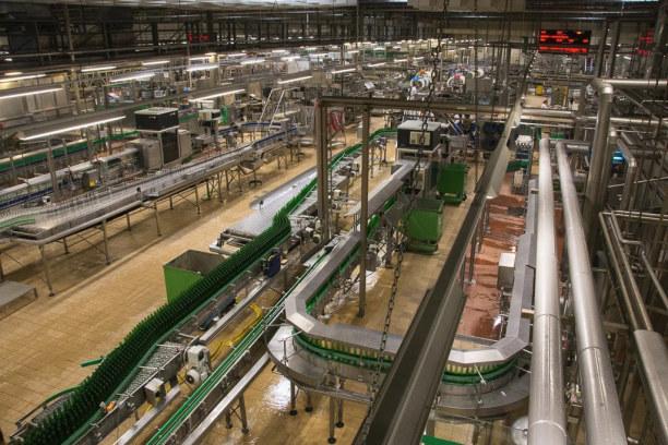 Kurztrip Plzen (Stadt), Westböhmen, Tschechische Republik, Hier werden bis zu 60.000 Flaschen pro Stunde befüllt!