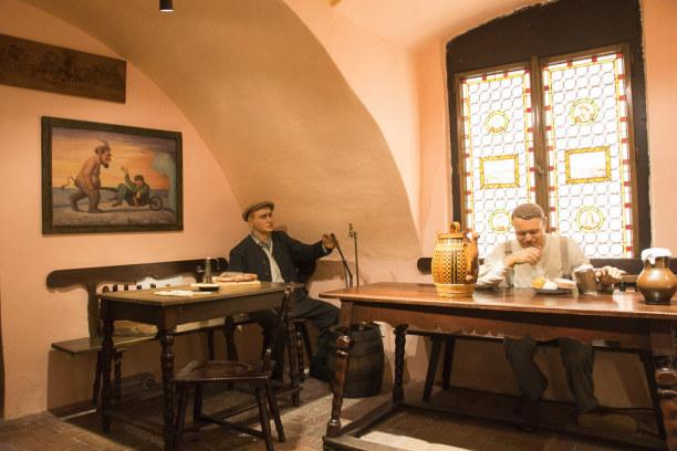 Kurztrip Plzen (Stadt), Westböhmen, Tschechische Republik, Blick in eine alte Bierstube im Brauereimuseum.