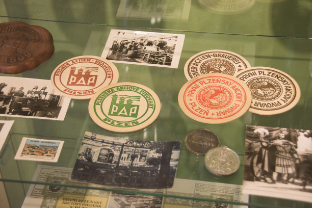 Kurztrip Plzen (Stadt), Westböhmen, Tschechische Republik, Bierdeckel sind beliebte Souvenirs und begehrte Sammlerobjekte. Im Mus