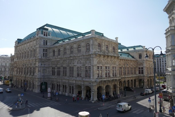Kurztrip Wien (Stadt), Wien und Umgebung, Österreich, Wer Karten für die Wiener Staatsoper ergattert, gehört zu den Glück
