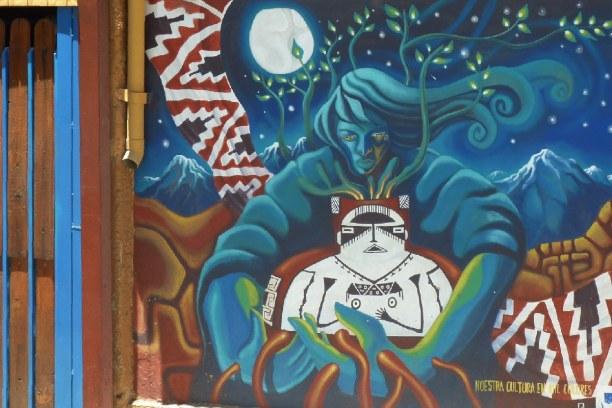 Kurzurlaub Pisco Elqui (Stadt), Zentralchile, Chile, Om Tal leben viele Künstler, die einige Wände der Adobehäuser mit a